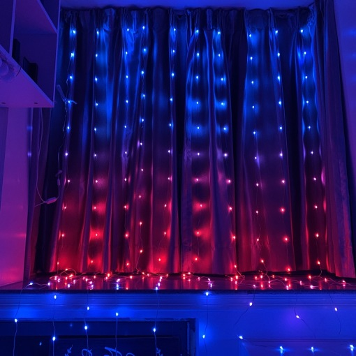 Smart Curtain Light RGBIC Color Changing Dance to Music Backdrop String Lights Wall Hanging Romantic Bedroom Decoration