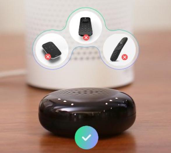 一款典型的万能遥控器占地不大,却能整合所有遥控器,成为家电的控制中心